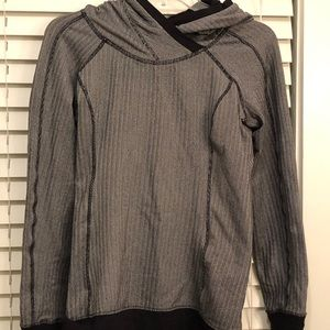 Lululemon hooded pullover sweatshirt size 6